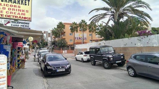 FERGUS Capi Playa: Вид с улицы