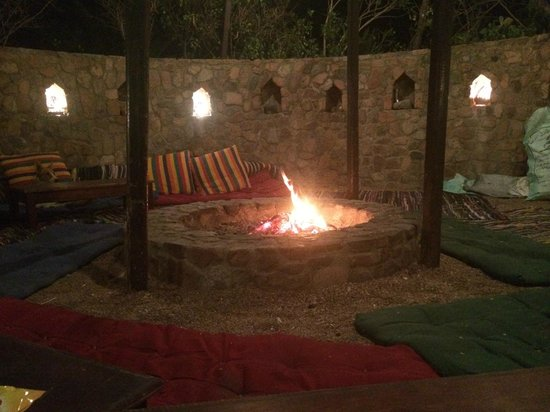 The Bedouin Moon Hotel: Chill out by the fire