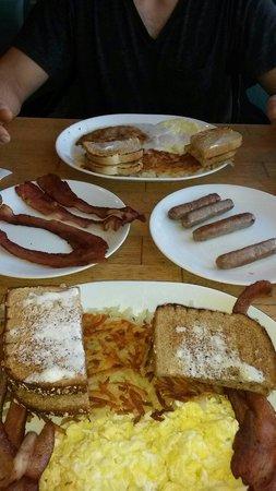 Pig 'N Pancake: GREAT BREAKFAST!!!