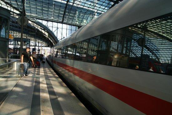 Berlin Hauptbahnhof: la llegada del tren