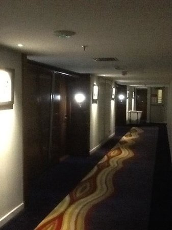The Kuta Beach Heritage Hotel Bali - Managed by Accor: hotel..alley