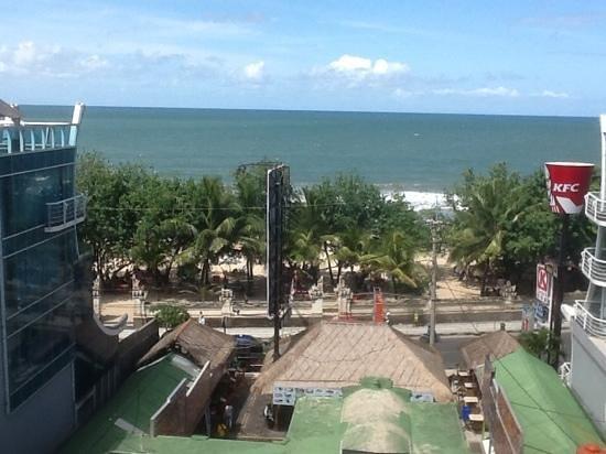 The Kuta Beach Heritage Hotel Bali - Managed by Accor : view to Kuta Beach from roof top