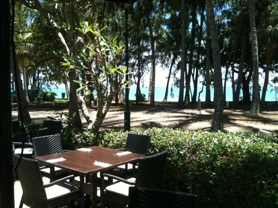 Mantra Amphora: View of Palm Cove from Amphora Restaurant