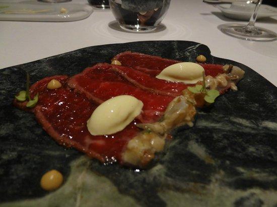 Restaurante Lasarte: beef steak slices