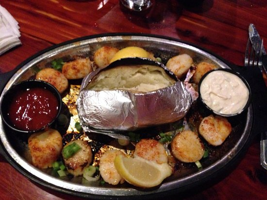 Bayou Bill's Crab House: Grilled scallop dinner