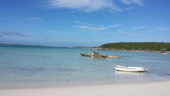 Long Island : Beautiful beaches. .. snorkeled here and see 2 turtles  and 0 other people all day long. ...