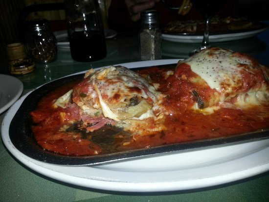 Gigi's Italian Restaurant: Chicken Breast with Eggplant, Cheese and Sauce