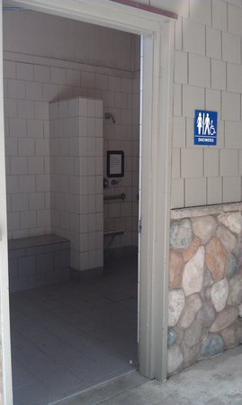 Van Damme State Park: Individual Shower Rooms