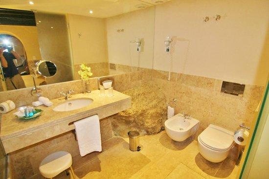 Pousada do Castelo de Obidos: Bathroom