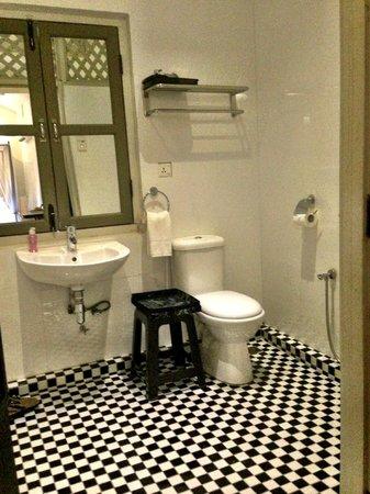Muntri Mews: Inside the bathroom