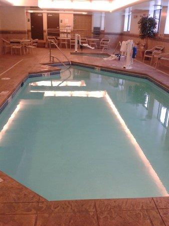 AmericInn Hotel & Suites Omaha: Pool & Hot Tub
