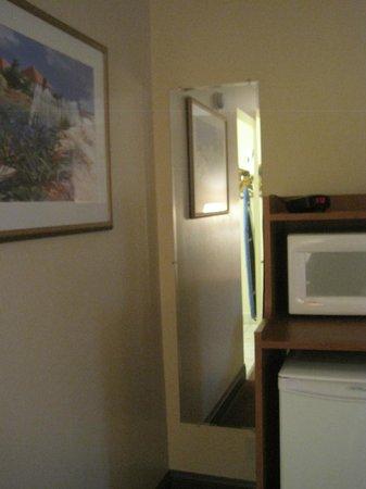 Americas Best Value Inn St. Augustine Beach : Room 202