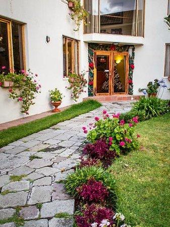 Hotel Rincon Aleman: Ingreso al hostal