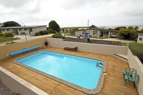 Pelican Sands Scamander : In ground solar heated swimming pool
