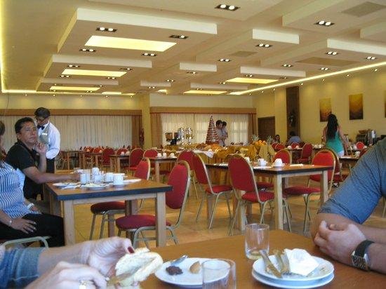 Villa Huinid Hotel Pioneros: Salão do café da manhã