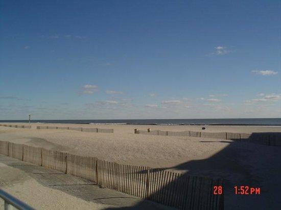 Ocean City Boardwalk: Ocean view from Boardwalk