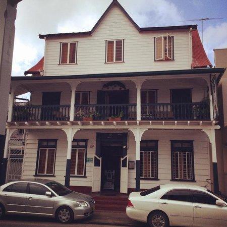 Guesthouse Albergo Alberga : Street view