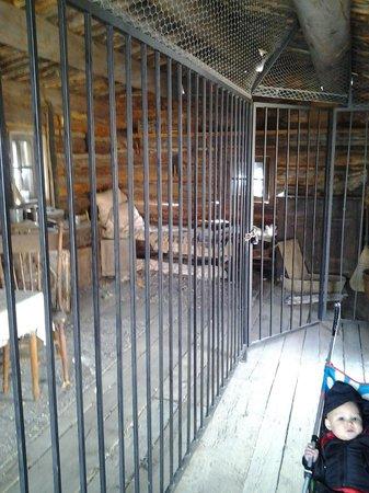 Big Ditch Park : Inside house