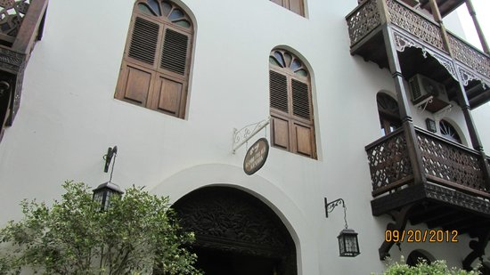 Hotel From The Outside Picture Of Asmini Palace Hotel Stone Town