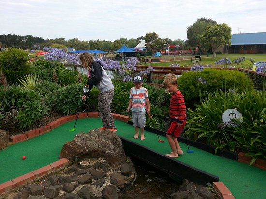 Adventure Park Geelong: Mini golf