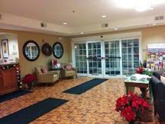 Candlewood Suites Washington North: Hotel Lobby