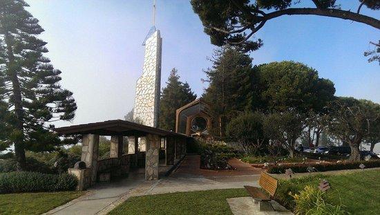 Glass Church / Wayfarers Chapel : Outside the Wayfarers Chapel.
