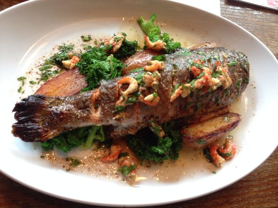 Three Tuns: Local River Test trout. Very good!!