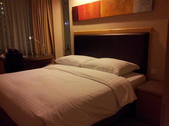Stanford Hotel Hong Kong: bed