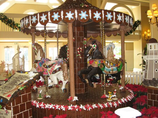 Disney's Yacht Club Resort: Gingerbread carousel with chocolate horses