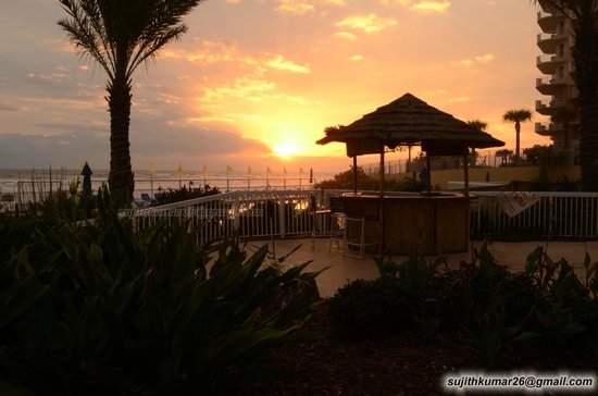 Acapulco Hotel & Resort: Sunrise