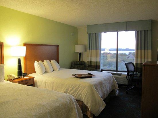 Hampton Inn Lake Havasu City: Newly renovated room