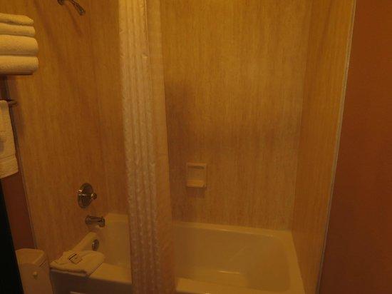 Old Town Inn: Shower