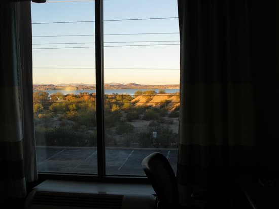 Hampton Inn Lake Havasu City : View from the room, 2nd floor west side