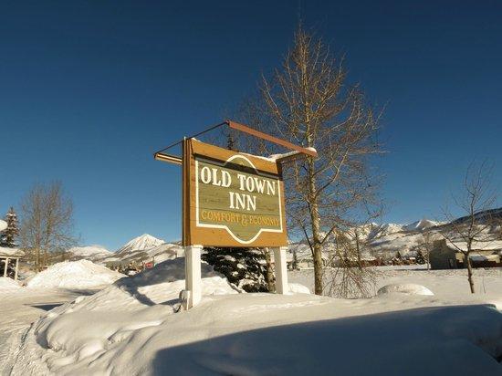 Old Town Inn: Sign