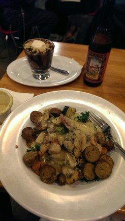 The Veggie Grill : Harvest Bowl in front, vegan choc parfait behind. Yum!