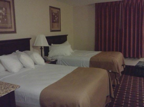 Ramada Groton: View of two double-beds.