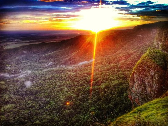 Mirante da Chapada (Centro Geodesico): O belo pôr-do-sol observado no Mirante.
