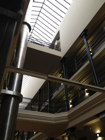 The Brewhouse Inn & Suites: ceiling in atrium