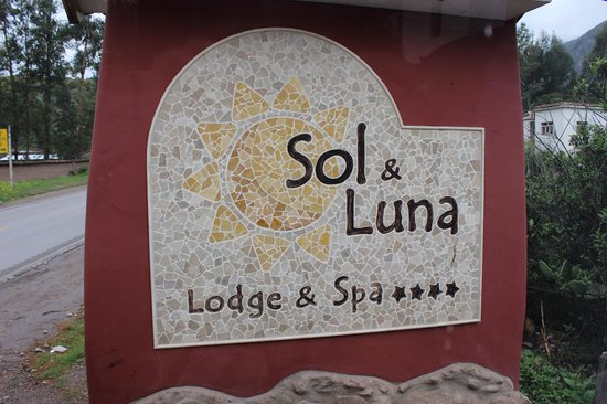 Sol y Luna - Relais & Chateaux: Entry
