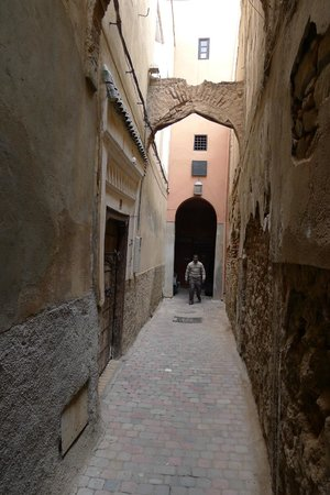 Riad Amirat Al Jamal: Out the door - you are right in the maze of the old city (medina)