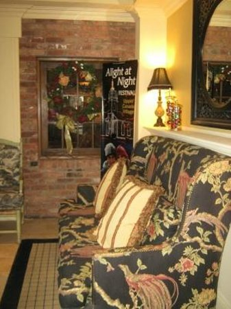 Best Western Parkway Inn & Conference Centre: Lobby