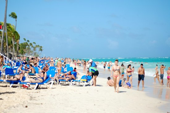 Grand Bahia Principe Punta Cana: Packed beach