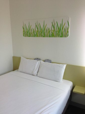 Ibis budget Auckland Airport : 1 bed and thats pretty much it