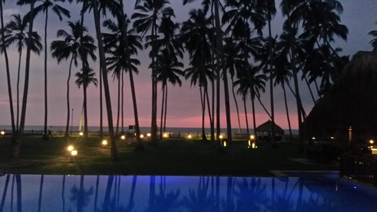 Reef Villa & Spa: Nice sunset
