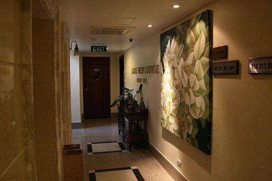 Hanoi Tirant Hotel: Corridor on 8th floor.