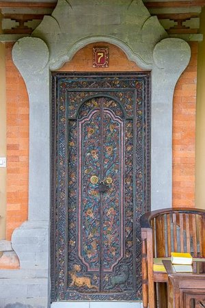 Taman Indrakila: Doorway to room