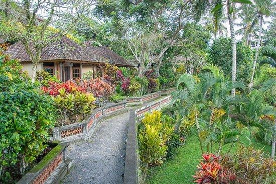 Taman Indrakila: Walkway