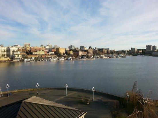 Delta Hotels by Marriott Victoria Ocean Pointe Resort: harbour view