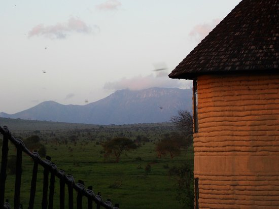 Sarova Salt Lick Game Lodge: Taita Hills seen from another room