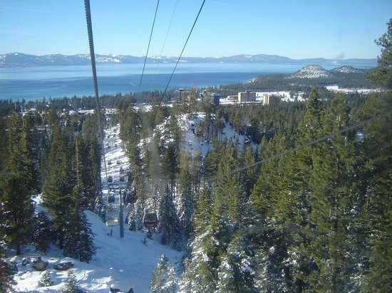Grand Residences by Marriott, Tahoe - 1 to 3 bedrooms & Pent.: Gondola para subir a montanha